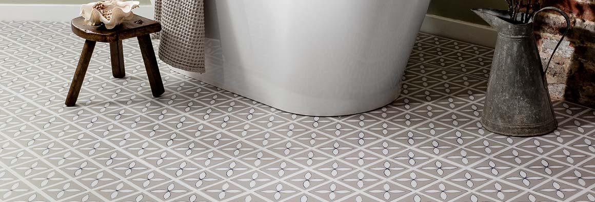 Pebble Grey Lattice floor in a bathroom