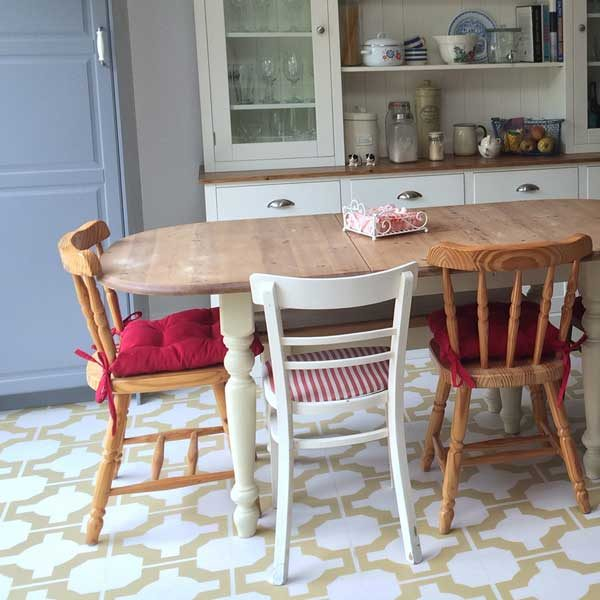 Gold vinyl flooring tile in a dining room