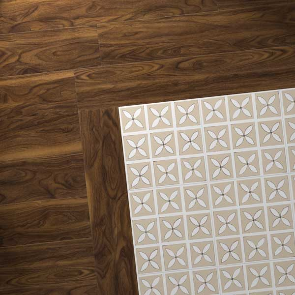 Lattice pattern with wood effect border