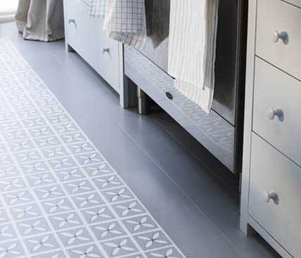 grey floral patterned floor with border