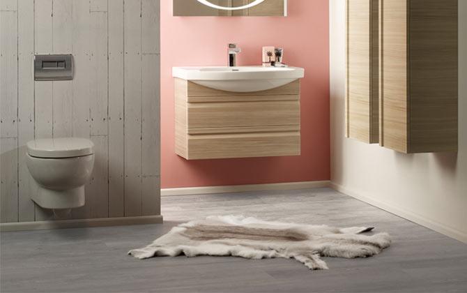 grey wood lvt wood design in a bathroom