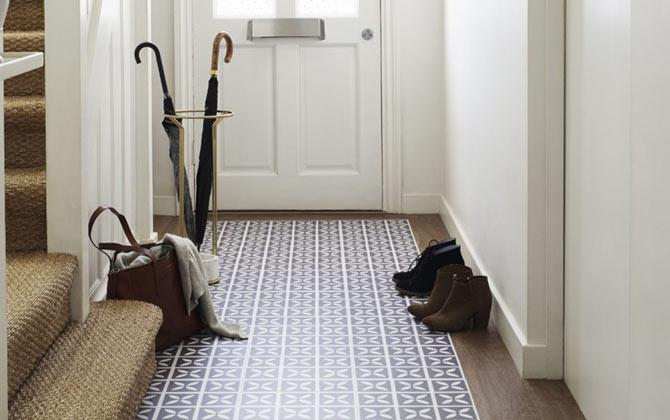 Purple patterned LVT floor in a hallway