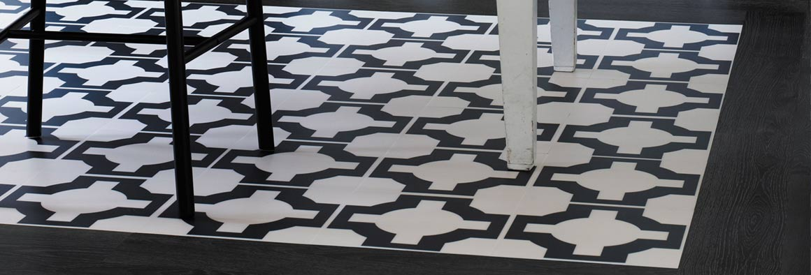Black & White Vinyl Floor - Designer Pattern