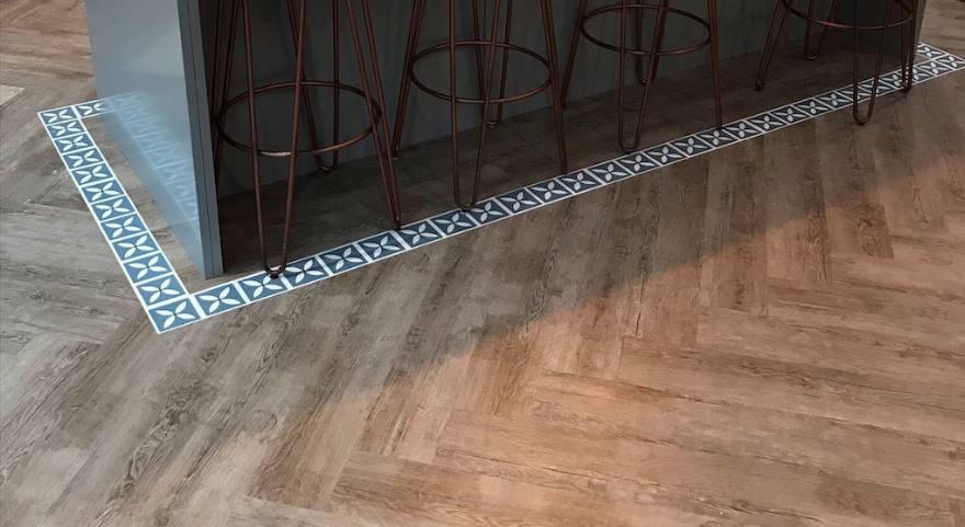 wood effect vinyl kitchen floor