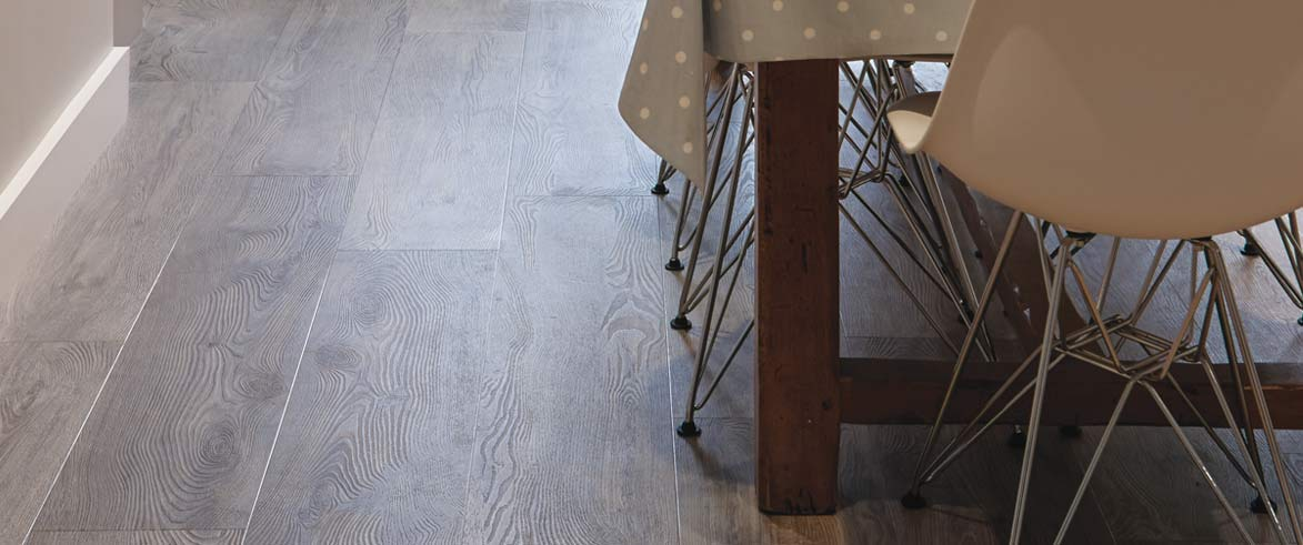 wood-look-dining-room