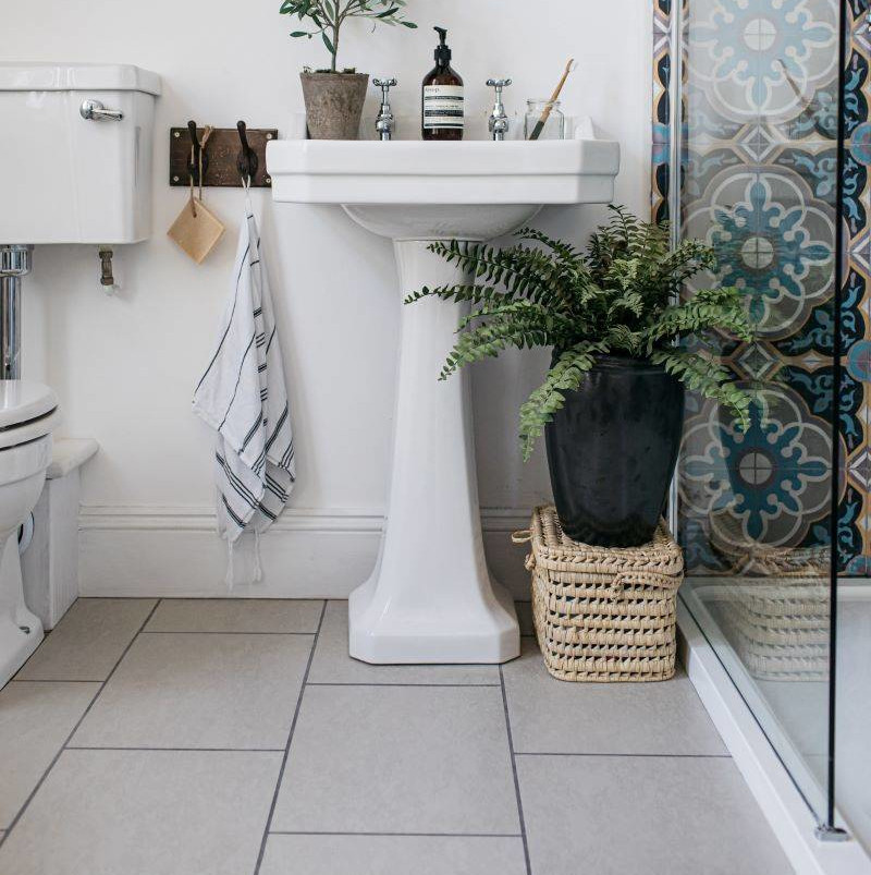 Bathroom Floor with Organics Stone Natural