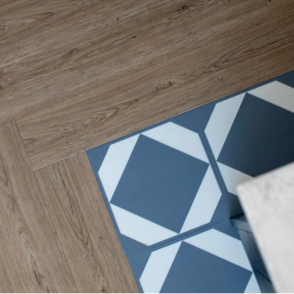 lvt floor with pattern border