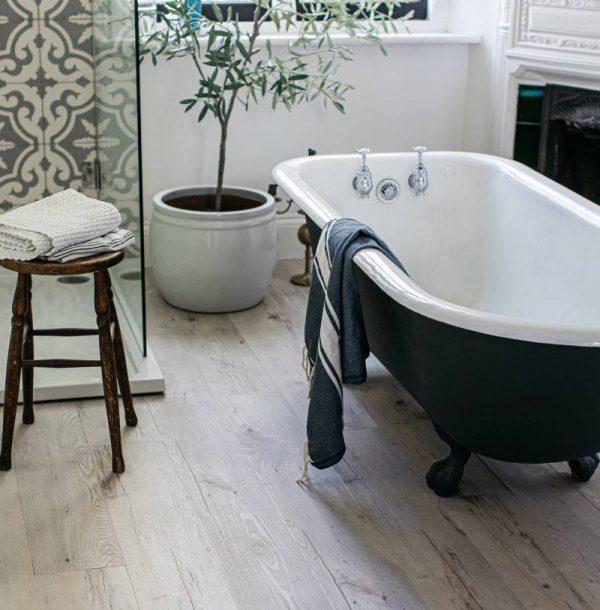bathroom floor wood effect