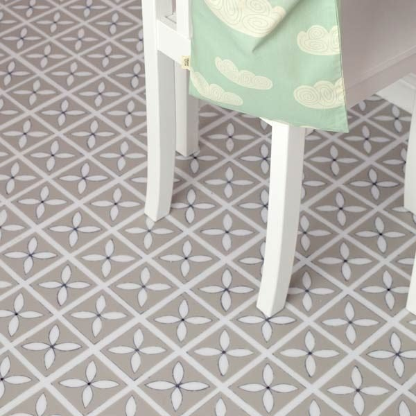 Bedroom floor with petal design