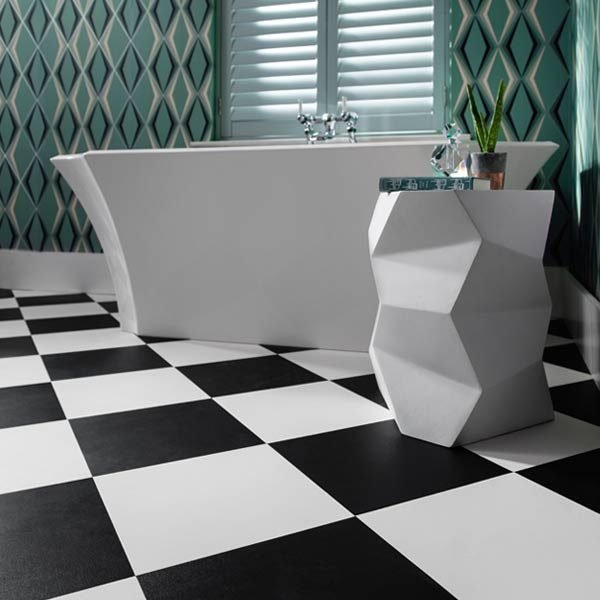 Black & White Checkered Floor In A Bathroom