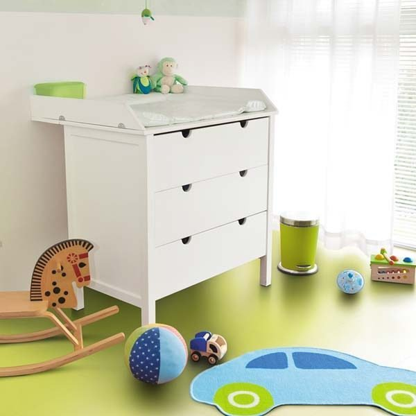 Green vinyl flooring in a playroom
