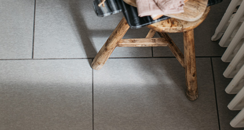 stone effect kitchen floor tiles with grouting