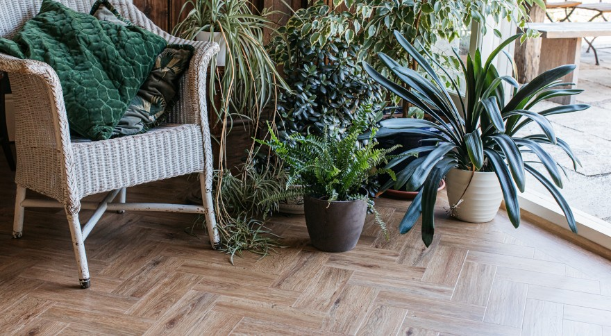 parquet wood floor in herringbone pattern