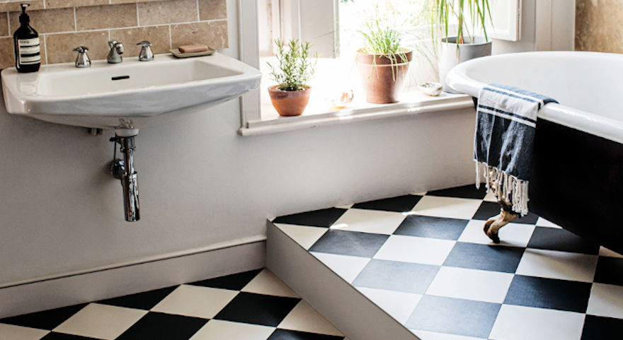 black-white-vinyl-bold-pattern-flooring
