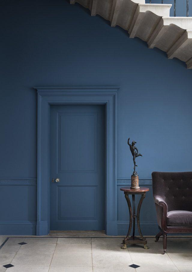 dark blue paint in hallway