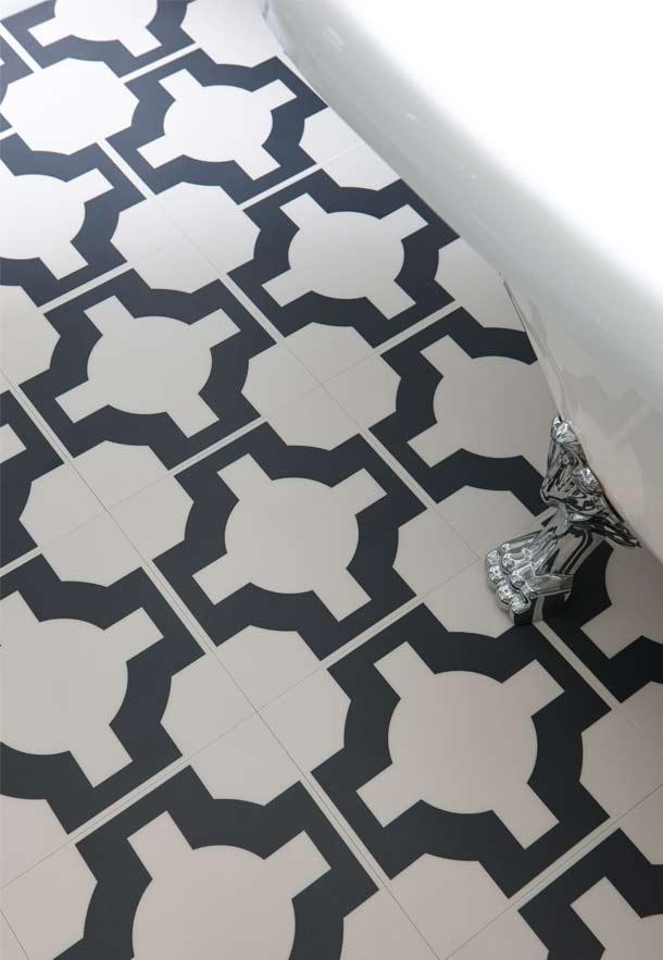 Free standing bath on beautiful bathroom flooring