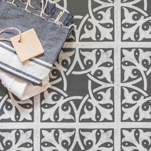 monochrome pattern bathroom floor