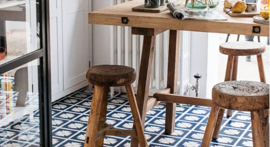 blue dining room flooring pattern