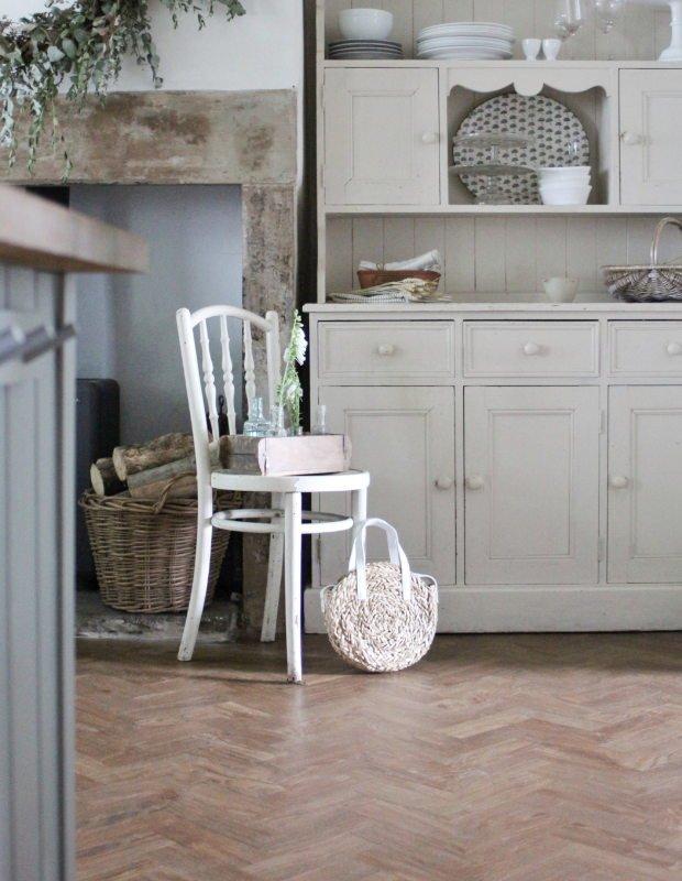 parquet spring oak floor in country kitchen