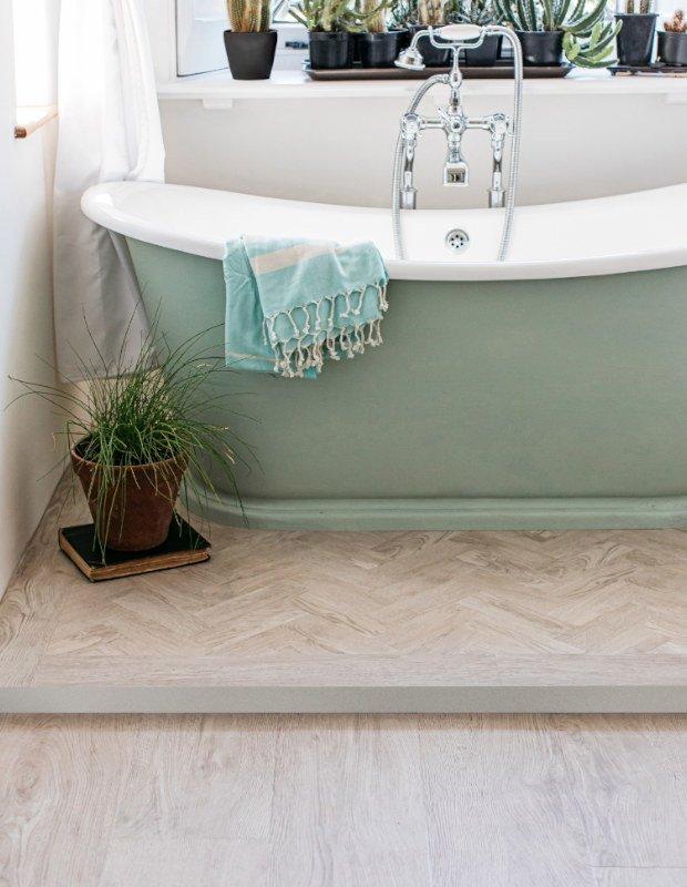 white oak parquet wood floor in bathroom
