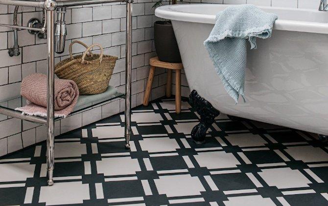 monochrome patterned lvt floor tiles in modern luxe bathroom