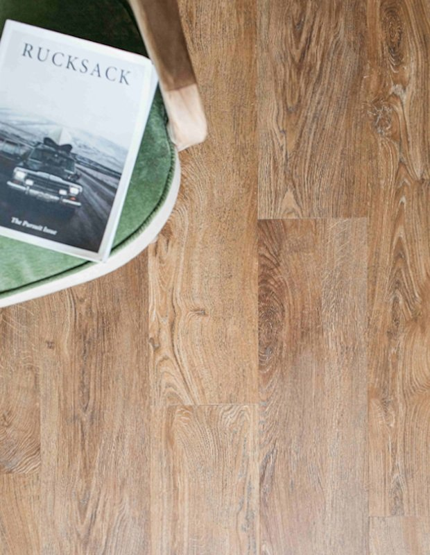 coffe table reads with english oak flooring