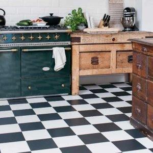 black and white checkerboard kitchen floor