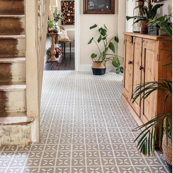neutral decorative floor in country home hallway